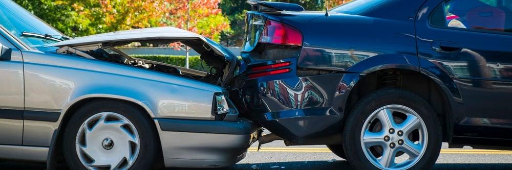 Hva gjør du ved skade på bilen?